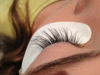 How to find a good Eyelash Technician